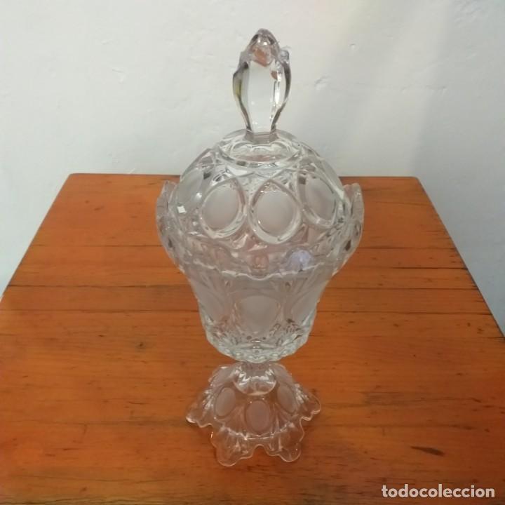 PRECIOSA ANTIGUA COPA DE CRISTAL CON TAPA. (Antigüedades - Cristal y Vidrio - Otros)