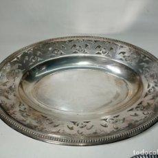 Antigüedades: ORIGINAL Y DECORATIVA BANDEJA REALIZADA EN METAL. Lote 217117213