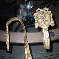 Antigüedades: PAREJA ALZAPAÑOS BRONCE. Lote 217122827