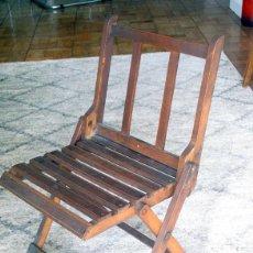 Antigüedades: ANTIGUA SILLA INFANTIL PLEGABLE EN MADERA.. Lote 217132290