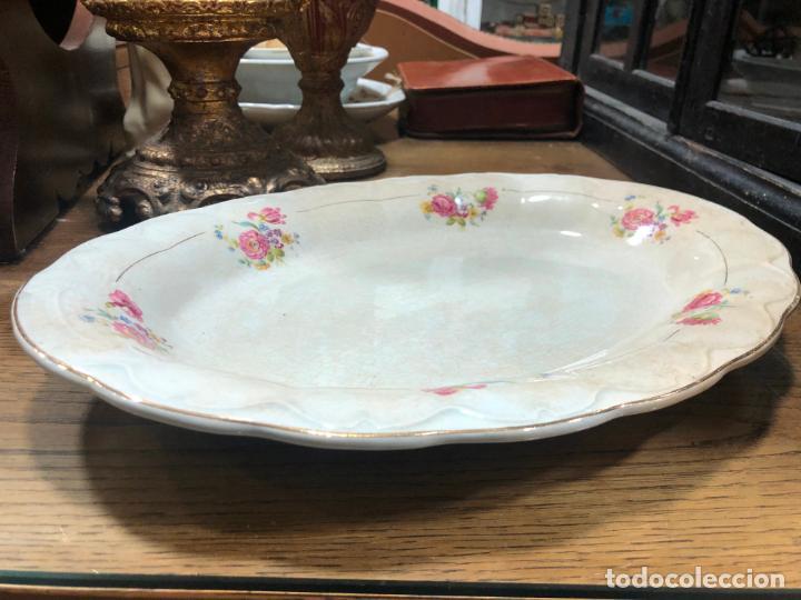 PRECIOSA BANDEJA SAN CLAUDIO - MEDIDA 37X28 CM (Antigüedades - Porcelanas y Cerámicas - San Claudio)