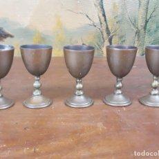 Antigüedades: PRECIOSO LOTE DE COPAS COPITAS EN BRONCE LATON O SIMILAR MUY ANTUGUAS. Lote 217210607
