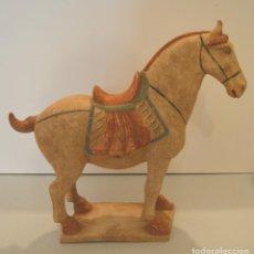 Antigüedades: GRAN CABALLO CHINA - MINGQI - SOBRE DINASTÍA TANG - HORSE TANG - 1890 / 1910. Lote 217230101