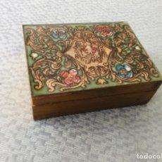 Antigüedades: CAJA DE MADERA CON TAPA ESMALTADA. SIN ESTRENAR. Lote 217236938