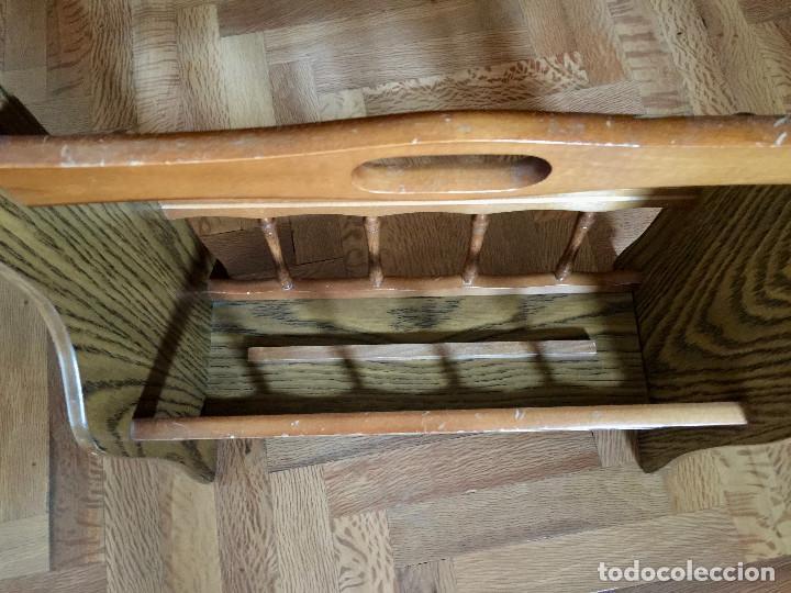 Antigüedades: REVISTERO CLASICO DE MADERA - VINTAGE - LIBROS REVISTAS - Foto 4 - 217245220