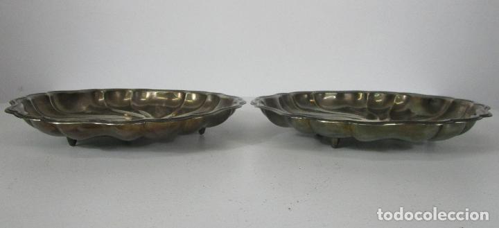Antigüedades: Decorativa Pareja de Bandejas Plateadas - Baño de Plata - Diámetro - 38 cm - Foto 3 - 217245275