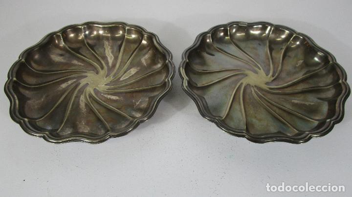 Antigüedades: Decorativa Pareja de Bandejas Plateadas - Baño de Plata - Diámetro - 38 cm - Foto 4 - 217245275