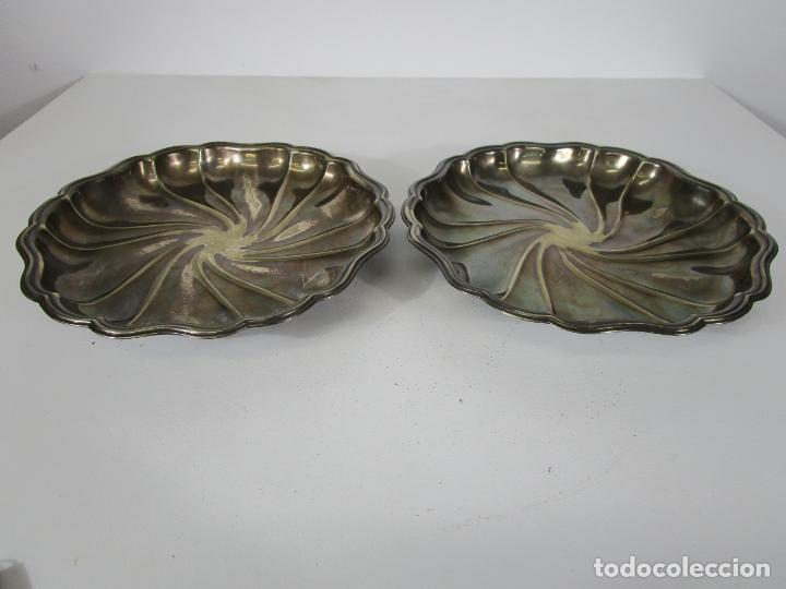 Antigüedades: Decorativa Pareja de Bandejas Plateadas - Baño de Plata - Diámetro - 38 cm - Foto 5 - 217245275