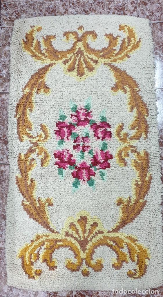 ALFOMBRA ARTESANAL DE LANA ORIGEN ESPAÑA (Antigüedades - Hogar y Decoración - Alfombras Antiguas)