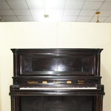 Antigüedades: PIANO ANTIGUO DE MADERA. Lote 217268778