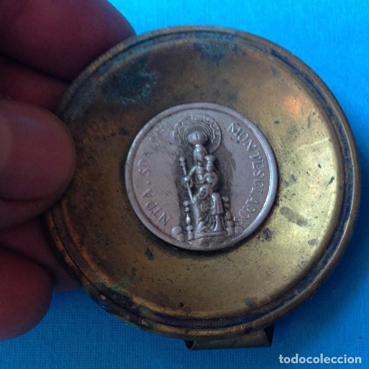 Antigüedades: MEDALLA ANTIGUA CON BASE,VIRGEN DE MONTESCLAROS.CANTABRIA - Foto 2 - 217290361
