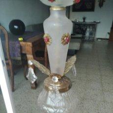 Antigüedades: ANTIGUA LAMPARA DE TECHO ART DECO DE METAL Y CRISTAL. Lote 217367530