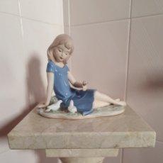 Antigüedades: BONITA FIGURA REALIZADA EN CERÁMICA. Lote 217370682