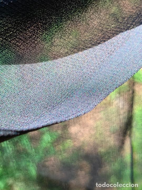 Antigüedades: Impecable antiguo velo , manton o mantilla de duelo. Mide aprox 2x1mt - Foto 3 - 217413596