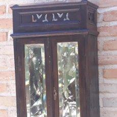 Antigüedades: PEQUEÑO MUEBLE AUXILIAR ANTIGUO, EN MADERA Y CRISTALES / ESPEJOS BISELADOS.. Lote 217432062