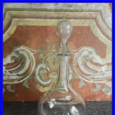 Antigüedades: LICORERA DE CRISTAL SOPLADO ANTIGUA. S. XIX. Lote 217486543