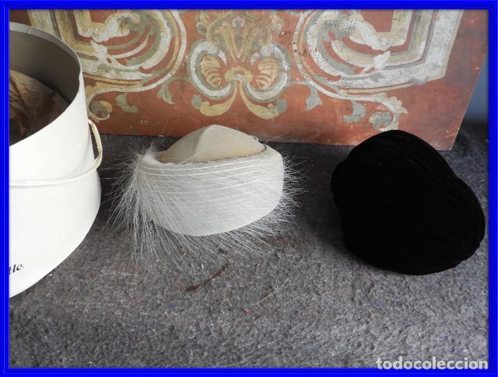 PAREJA DE SOMBREROS DE FIESTA ANTIGUOS (Antigüedades - Moda - Sombreros Antiguos)