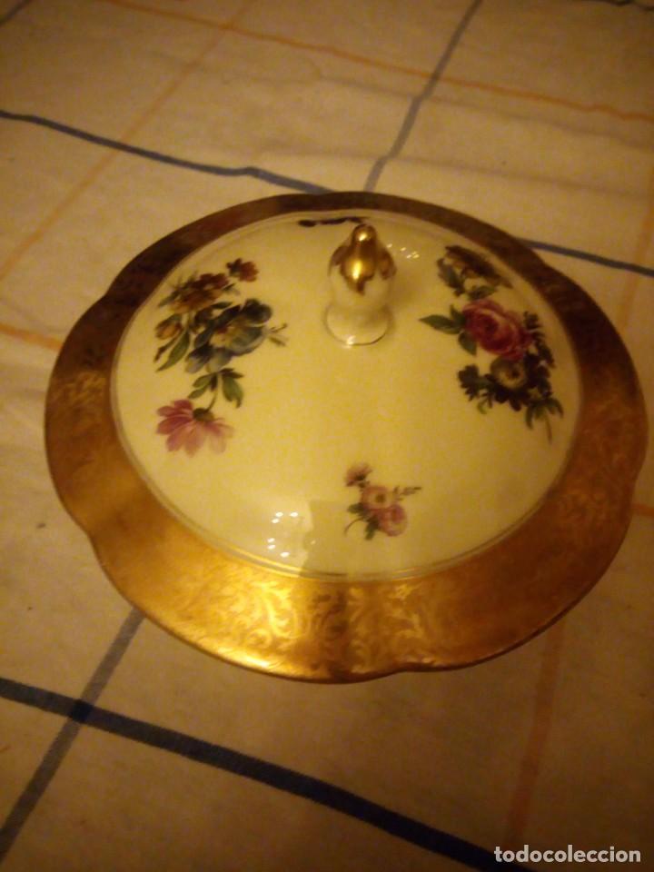 Antigüedades: Preciosa bombonera de porcelana rosenthal,decorada con flores y oro. - Foto 2 - 217502161