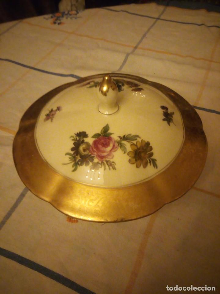 Antigüedades: Preciosa bombonera de porcelana rosenthal,decorada con flores y oro. - Foto 3 - 217502161