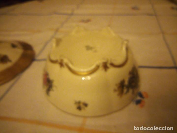 Antigüedades: Preciosa bombonera de porcelana rosenthal,decorada con flores y oro. - Foto 6 - 217502161