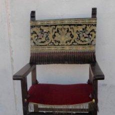 Antigüedades: SILLON FRAILERO DESXIX EN MADERA DE NOGAL, RESPALDO DE BROCADO Y ASIENTO DE TERCIOPELO. Lote 217517887