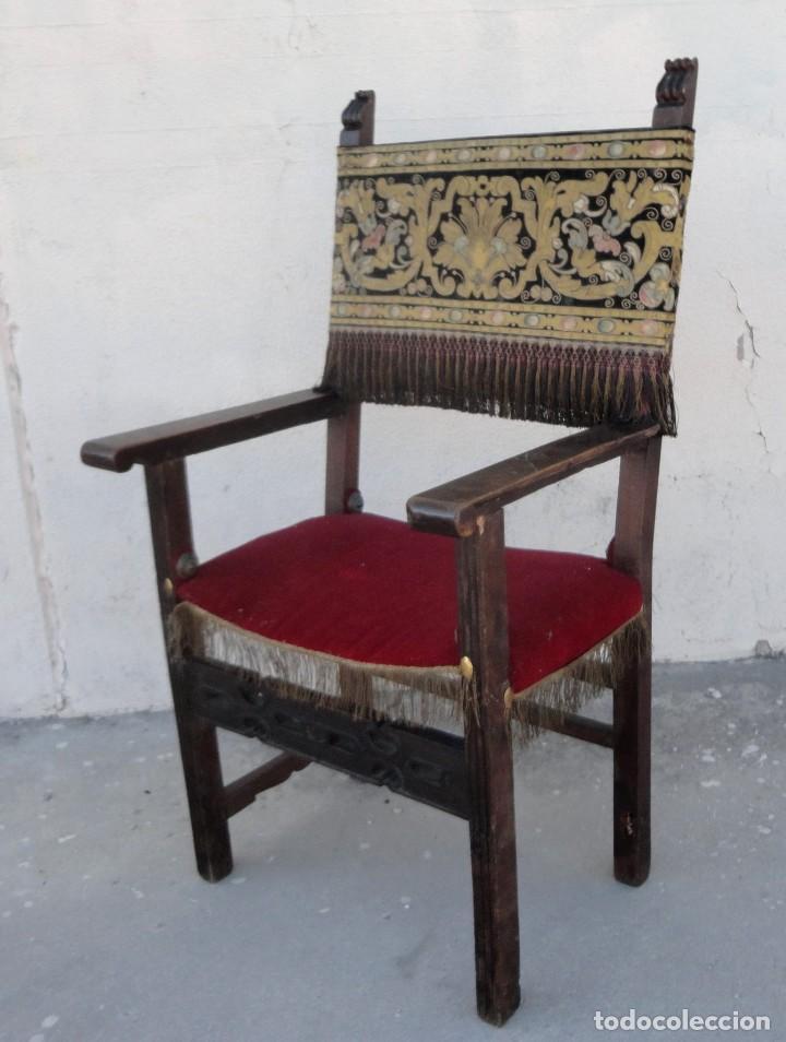 Antigüedades: Sillon frailero deSXIX en madera de nogal, respaldo de brocado y asiento de terciopelo - Foto 7 - 217517887