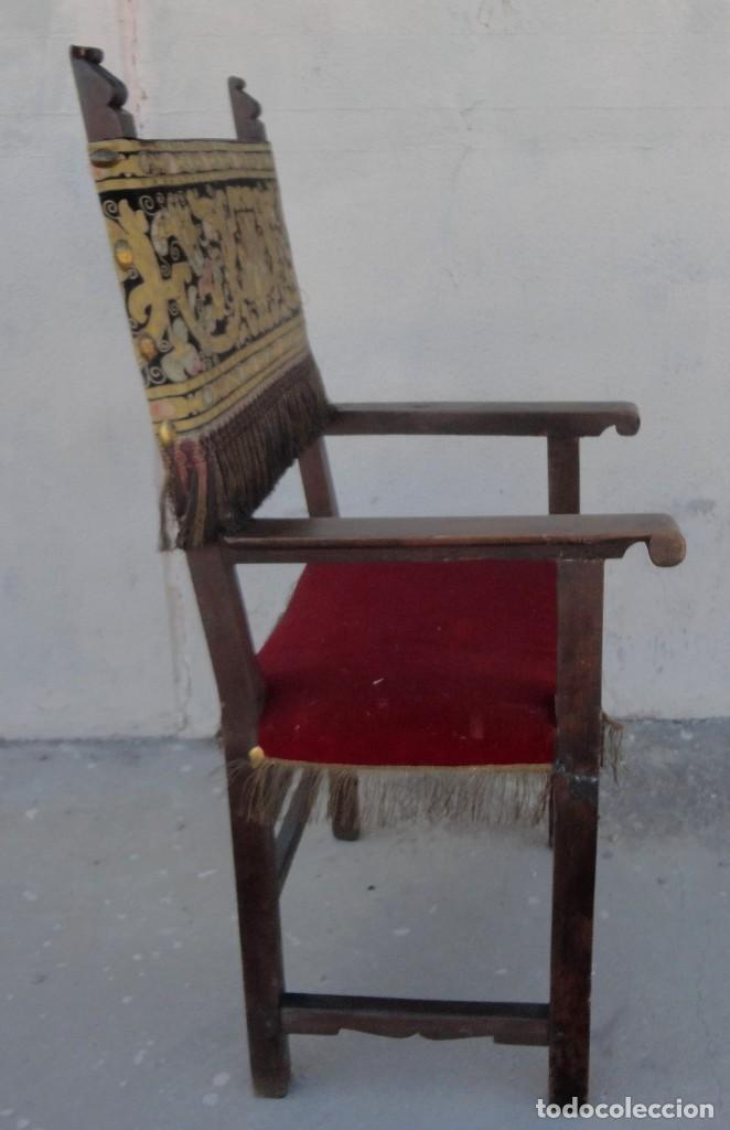 Antigüedades: Sillon frailero deSXIX en madera de nogal, respaldo de brocado y asiento de terciopelo - Foto 10 - 217517887