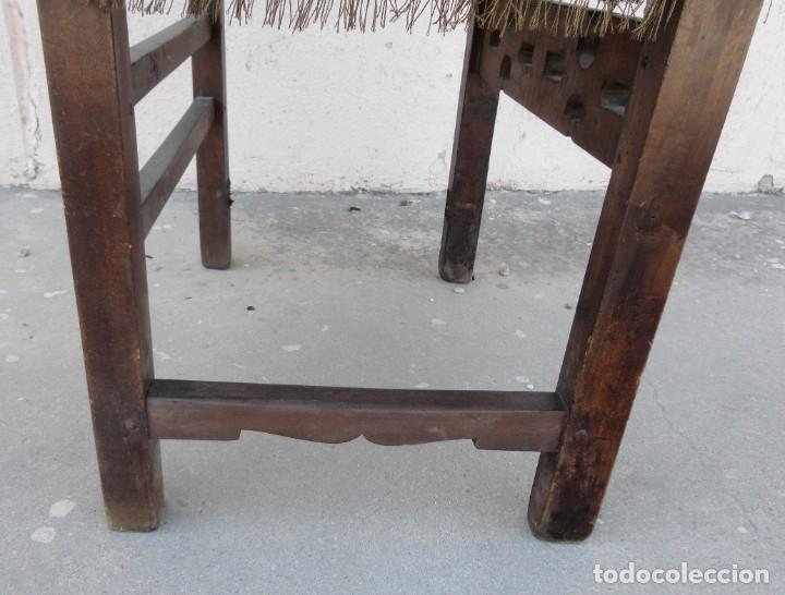 Antigüedades: Sillon frailero deSXIX en madera de nogal, respaldo de brocado y asiento de terciopelo - Foto 11 - 217517887