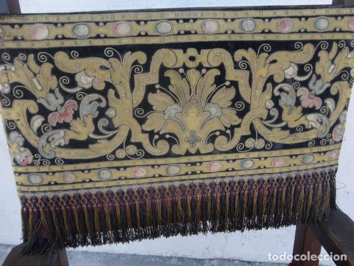 Antigüedades: Sillon frailero deSXIX en madera de nogal, respaldo de brocado y asiento de terciopelo - Foto 12 - 217517887