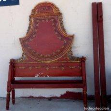 Antigüedades: CAMA ANTIGUA DE OLOT, TALLADA Y POLICROMADA DE 135. Lote 217523038