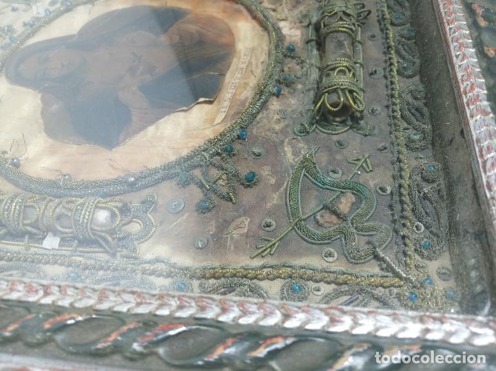 Antigüedades: Imponente relicario con 14 reliquias. Siglo XVII. Bordado en oro. Extraordinaria elaboración. - Foto 11 - 217561282