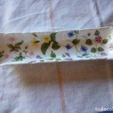 Antiquités: PRECIOSA BANDEJA RECTANGULAR DE PORCELANA FINE BONE CHINA COUNTRY MEADOW ENGLAND. QUEEN´S. Lote 217564712