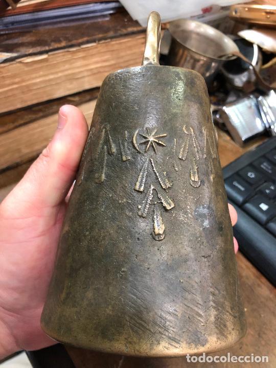 ANTIGUO CENCERRO DE BRONCE MACIZO CON MEDIDAS TOTAL 17X10 CM (Antigüedades - Técnicas - Rústicas - Ganadería)