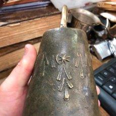 Antigüedades: ANTIGUO CENCERRO DE BRONCE MACIZO CON MEDIDAS TOTAL 17X10 CM. Lote 217605626