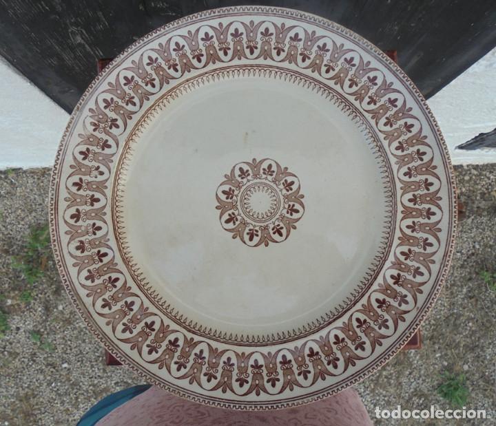 PLATO INGLÉS MARRON SAPPHO (Antigüedades - Porcelanas y Cerámicas - Inglesa, Bristol y Otros)