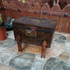 Antigüedades: COFRE TIPO BAÚL ANTIGUO.. Lote 217643485