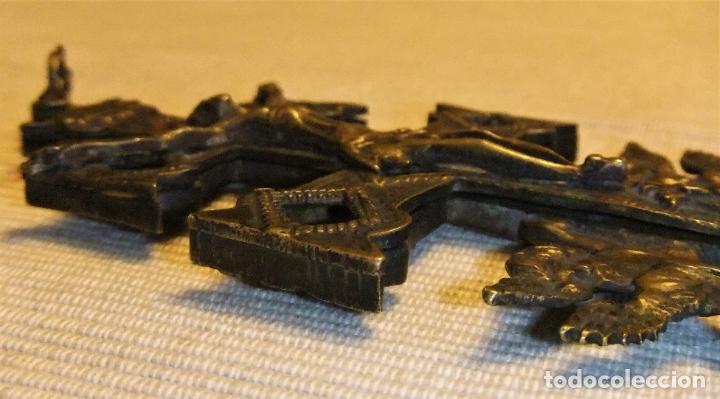 Antigüedades: EXCEPCIONAL CRUZ DE CARAVACA EN BRONCE SIGLO XVIII TAMAÑO GRANDE - Foto 5 - 217697393