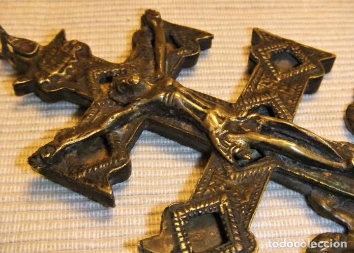 Antigüedades: EXCEPCIONAL CRUZ DE CARAVACA EN BRONCE SIGLO XVIII TAMAÑO GRANDE - Foto 11 - 217697393