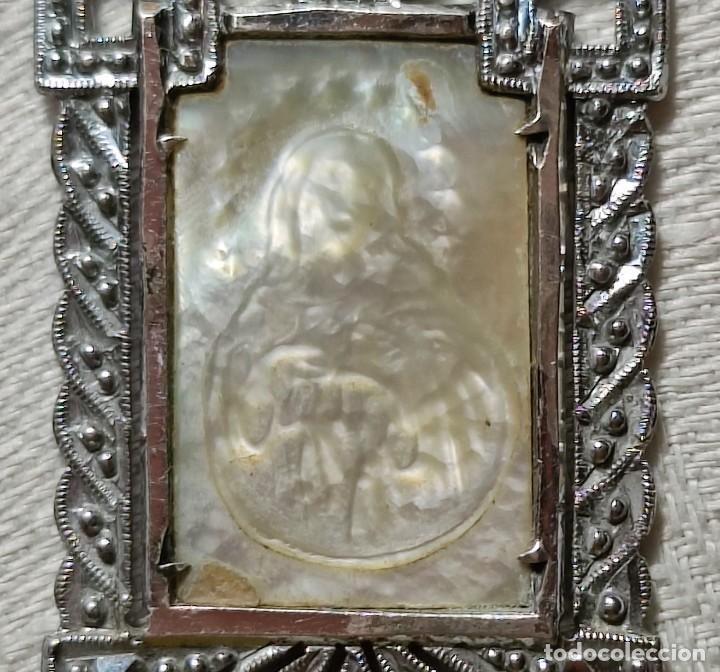 Antigüedades: MEDALLA VIRGEN CON INICIALES C.R.. PLATA, NÁCAR Y MARCASITAS. ESPAÑA. 1918 - Foto 2 - 217760100