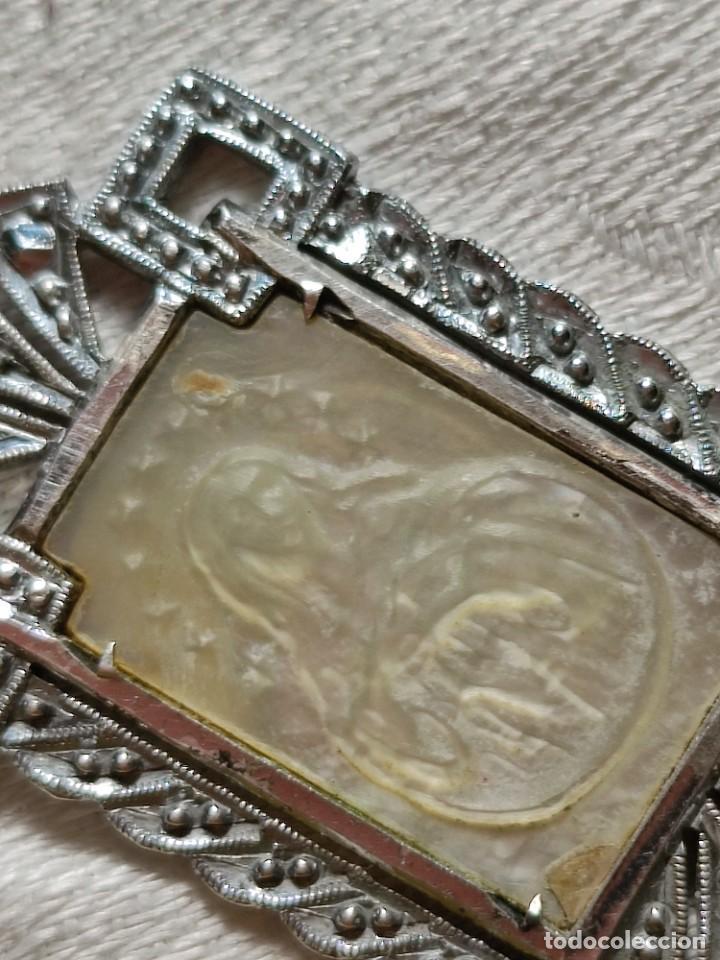 Antigüedades: MEDALLA VIRGEN CON INICIALES C.R.. PLATA, NÁCAR Y MARCASITAS. ESPAÑA. 1918 - Foto 6 - 217760100