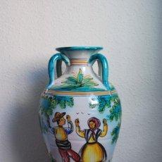 Antigüedades: GRAN JARRÓN DE CERÁMICA DE PUENTE DEL ARZOBISPO - TOLEDO - BAILE - CUATRO ASAS - AÑOS 50-60. Lote 217778126