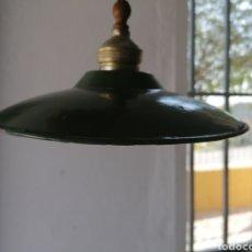 Antigüedades: LÁMPARA DE TECHO ESMALTADA ANTIGUA. Lote 217788976