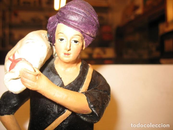 Antigüedades: figuras de pesebre grandes mujeres 22cm. alto - Foto 10 - 217882637