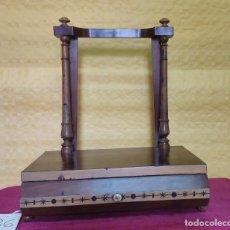 Antigüedades: TOCADOR EN MADERA CHAPEADO ESTILO ART DECO, 6000-036. Lote 45835332