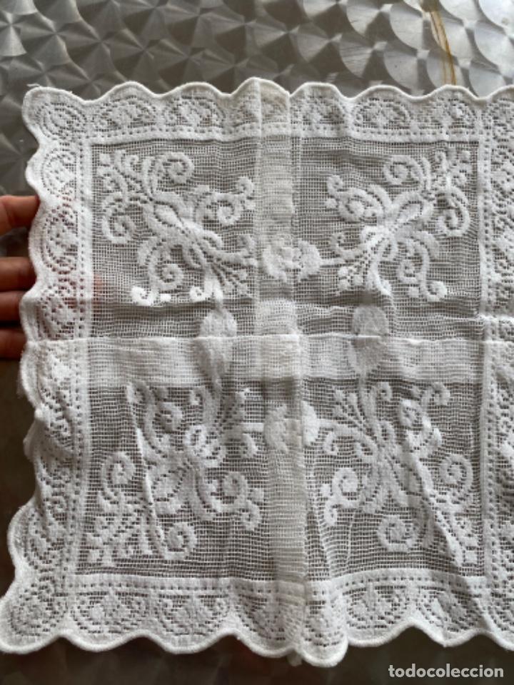 Antigüedades: Antiguo tapete paño ganchillo bordado 4 en uno pcios s XX - Foto 5 - 217918280