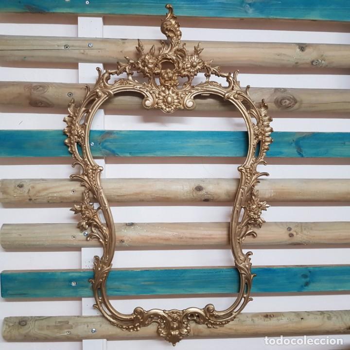 Antigüedades: MARCO DE ESPEJO EN BRONCE LABRADO DE PARED - Foto 9 - 217938962