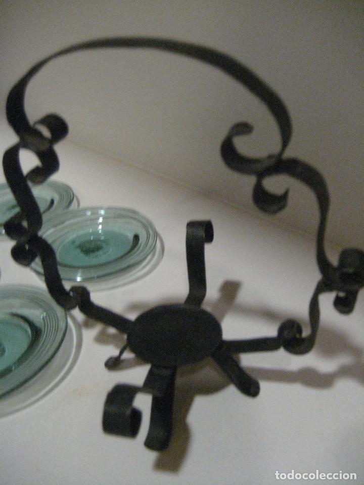 Antigüedades: precioso portaplatos platos pequeños plato vidrio soplado mallorquin ? soporte metalico platero - Foto 4 - 217943528