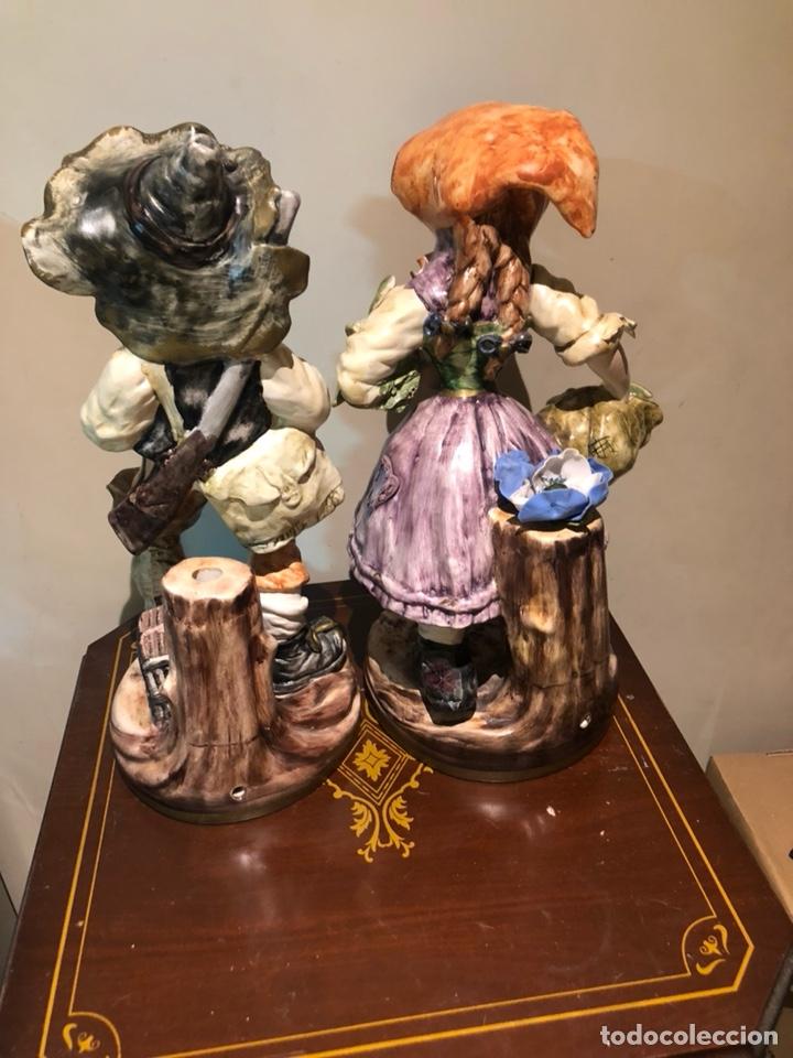 Antigüedades: Bonita pareja de figuras de porcelana, capo di monte, buen tamaño - Foto 9 - 217948751