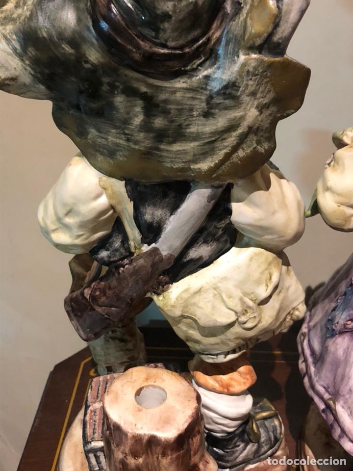 Antigüedades: Bonita pareja de figuras de porcelana, capo di monte, buen tamaño - Foto 12 - 217948751