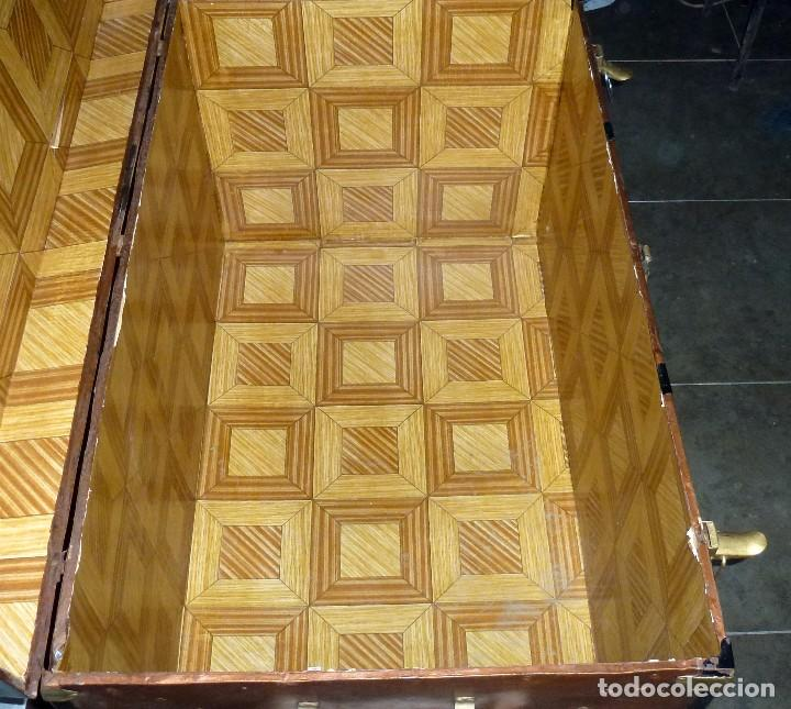 Antigüedades: Antiguo Baul De Madera Forrado De Chapa.66 X 101 X 61 Cm. - Foto 10 - 217958255